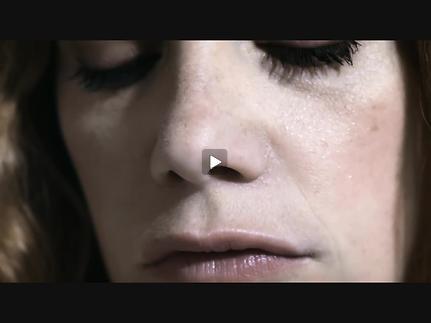 """Vidéo """"Hedda Gabler"""", m.e.s. Ivo Van Hove avec Ruth Wilson - Trailer"""