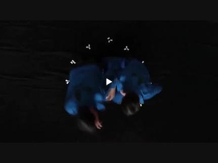 """Vidéo """"Les deux frères et les lions"""" - Deux frères partis de rien..."""