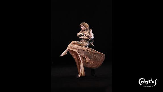 """Image du spectacle """"Bells and Spells"""" - Entretien avec Aurélia Thierrée"""