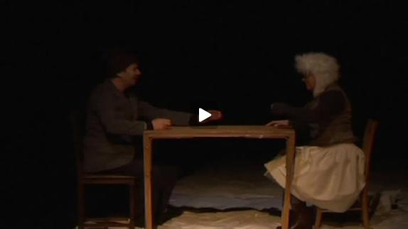 "Vidéo ""L""hiver quatre chiens mordent..."", m.e.s. S. Fortuny, extraits"