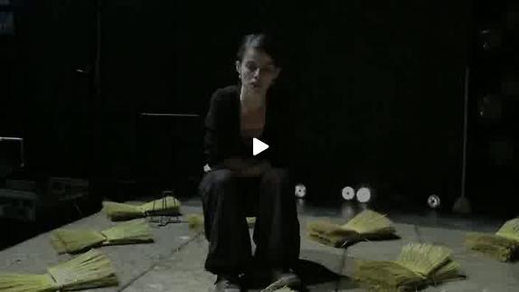 """Vidéo """"Cent ans dans les champs"""", entretien avec Hélène Mathon"""