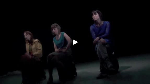 """Vidéo """"Les 3 Parques m'attendent dans le parking"""" de J. Rebotier, extraits"""