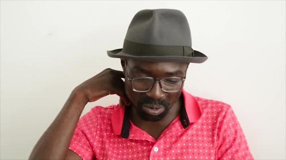 """Vidéo """"Antoine m'a vendu son destin""""/ """"Sony chez les chiens"""" - Entretien D.Niangouna 2"""