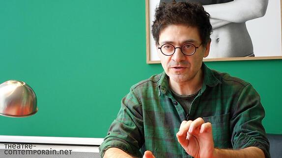 """Vidéo Wajdi Mouawad, le rapport adolescents/adultes dans """"Hamlet"""" et ses pièces"""