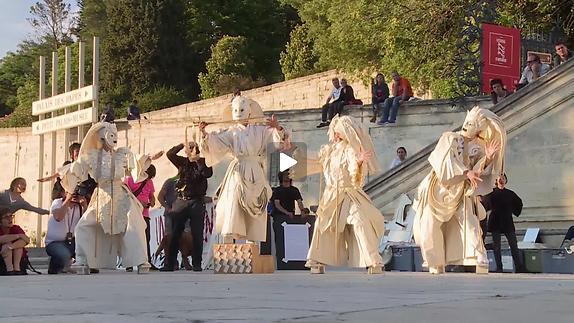 "Vidéo ""Mahabharata-Nalacharitam"", extraits joués devant le Palais des Papes"
