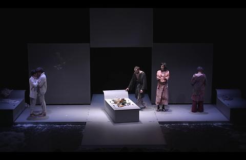 """""""En dessous de vos corps…"""" au Théâtre du Peuple à Bussang"""