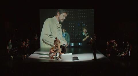 """""""Six personnages en quête d'auteur"""" Luigi Pirandello, Stéphane Braunschweig"""