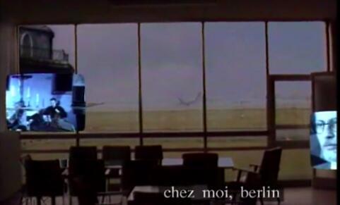 """""""Journal vidéo"""" de Jean-Luc Lagarce. (version vidéo intégrale). L'utilisation de la vidéo pour faire se confronter l'écrit, l'image et la voix."""