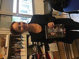 Illustration de Soirée de lancement du livre : Un enfant assorti à ma robe